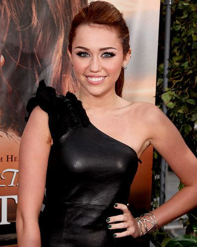 Miley Cyrus - Hot Star Nail Polish Trends - Green Nails