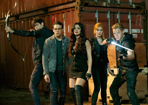 吉 McNamara Talks Shadowhunters Pranks on Set