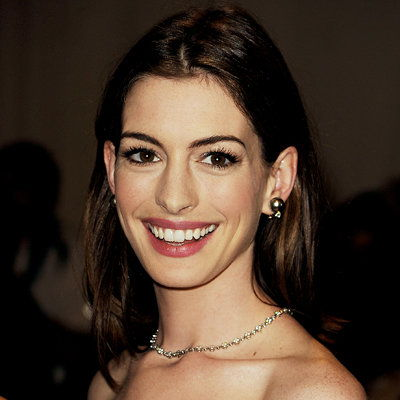 Anne Hathaway-foundation-Gina Brooke-2010 MET Gala