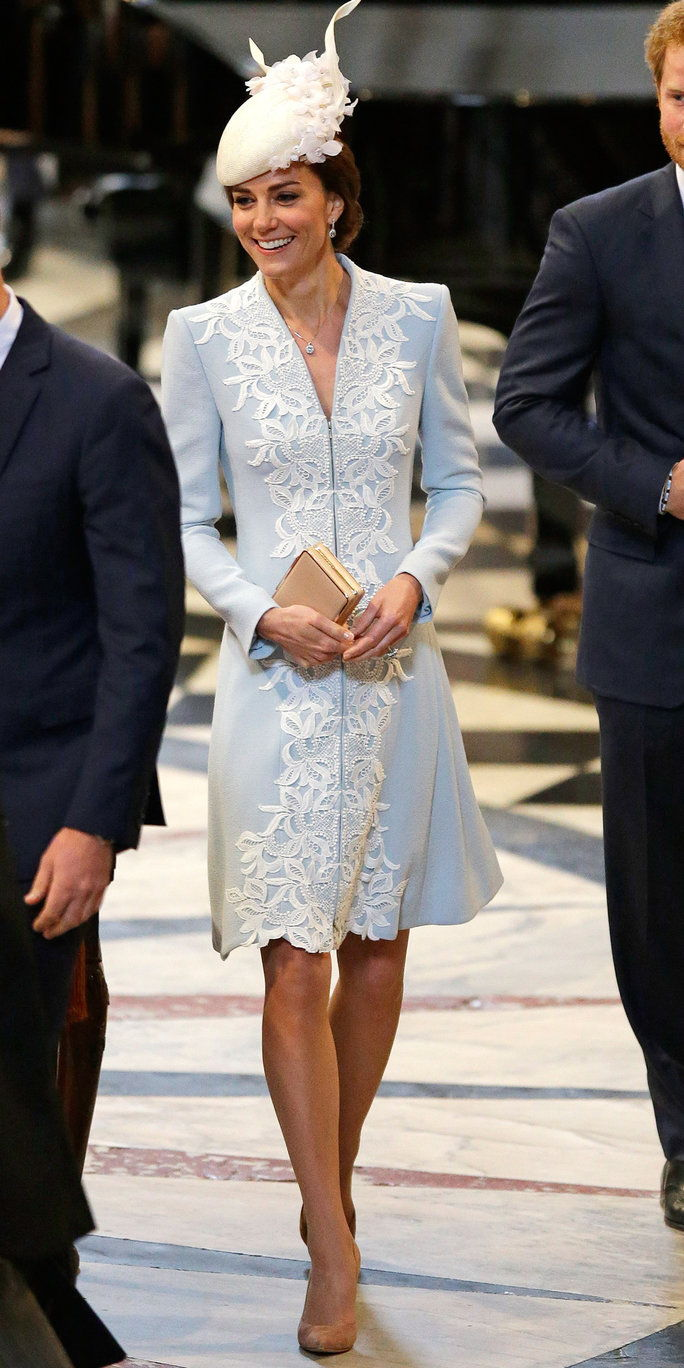 王子 William, Duke of Cambridge, Catherine, Duchess of Cambridge and Prince Harry arrive for a service of thanksgiving for Queen Elizabeth II's 90th birthday at St Paul's cathedral on June 10, 2016 in London, United Kingdom.