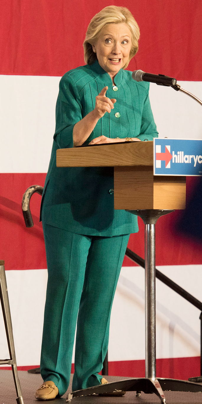 Demokratično Presidential Candidate Hillary Clinton Launch Party At Iowa State Fairgrounds