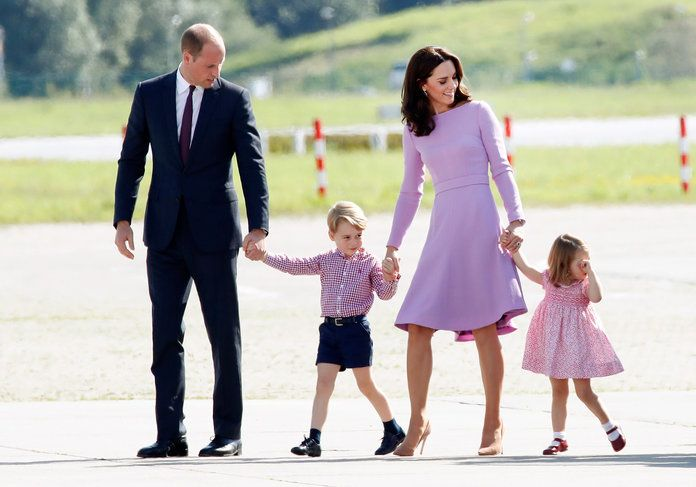 Det Royal Family Matching Outfits