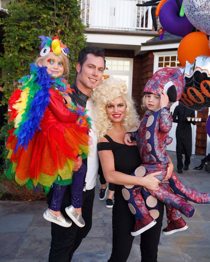 Jessica Simpson, Eric Johnson, Maxwell Drew, and Ace Knute