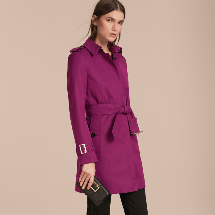 Enkratno prsi Trench Coat with Metal Buckle Detail