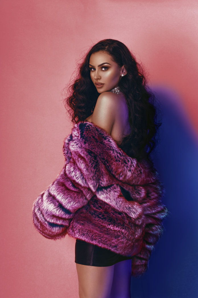 Missguided x Carli Bybel Embed